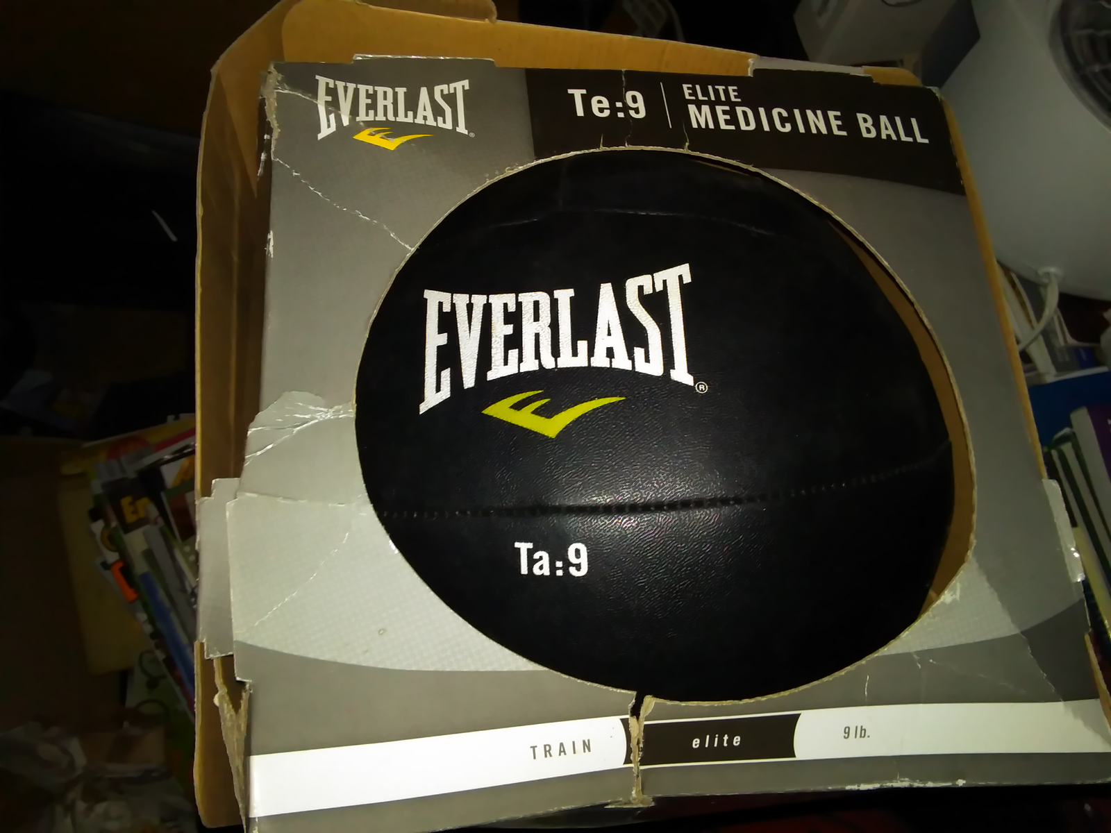 NEW Everlast Te:9 Elite Medicine Ball 9 lbs