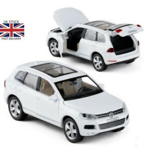 1-32-Volkswagen-Touareg-Alloy-Cars-Pull-Back-Model-Metal-Diecasts-Vehicles-Toy