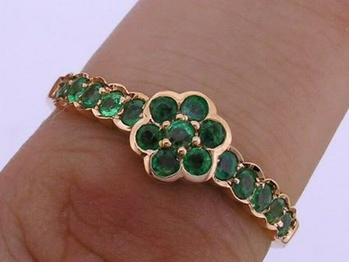 R138 Genuine 9ct 14K 18K Yellow   pink or White gold Natural Emerald Daisy Ring