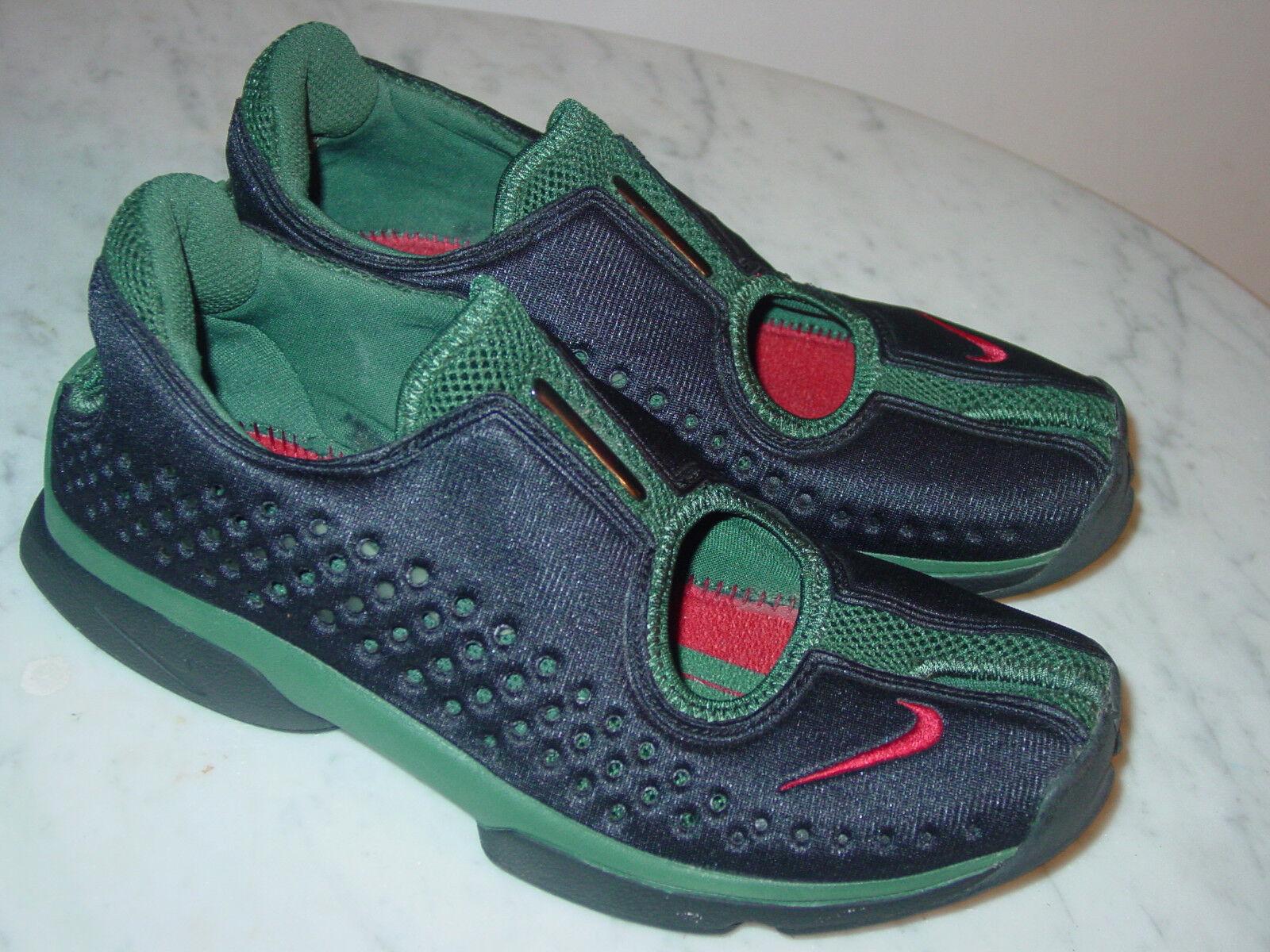 2002 Nike Rift Black Varsity Red Deep Forest Slip On shoes  Size 9