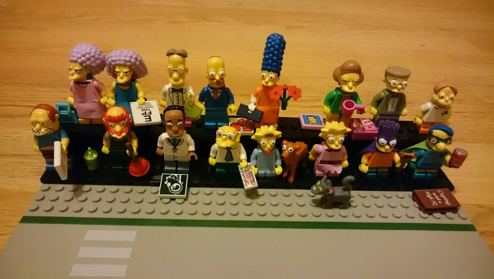 LEGO SIMPSONS MINIFIGURES SERIES 2 - FULL SET, Lego Road base display stand