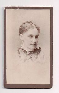 Vintage-CDV-Unidentified-Lady-Frank-M-Hodge-Photo-Pawtucket-Rhode-Island