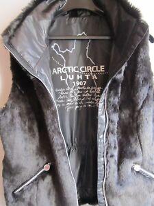 giacca Finlandia Ourtddoorport imitazione New 42 pelliccia marrone Lutha esterna M Tiina gilet wpqqXFH