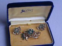 Vintage Pegasus CORO Rhinestone Trembler Brooch Earrings Jewelry Set