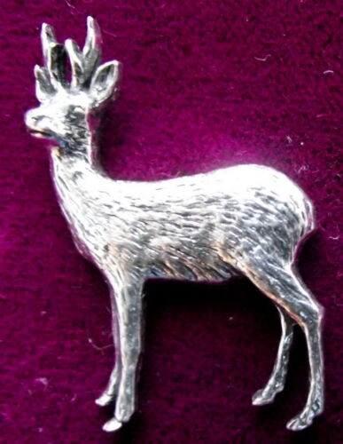 Superb Pewter Roe Deer Stag Hunting Shooting Brooch Pin