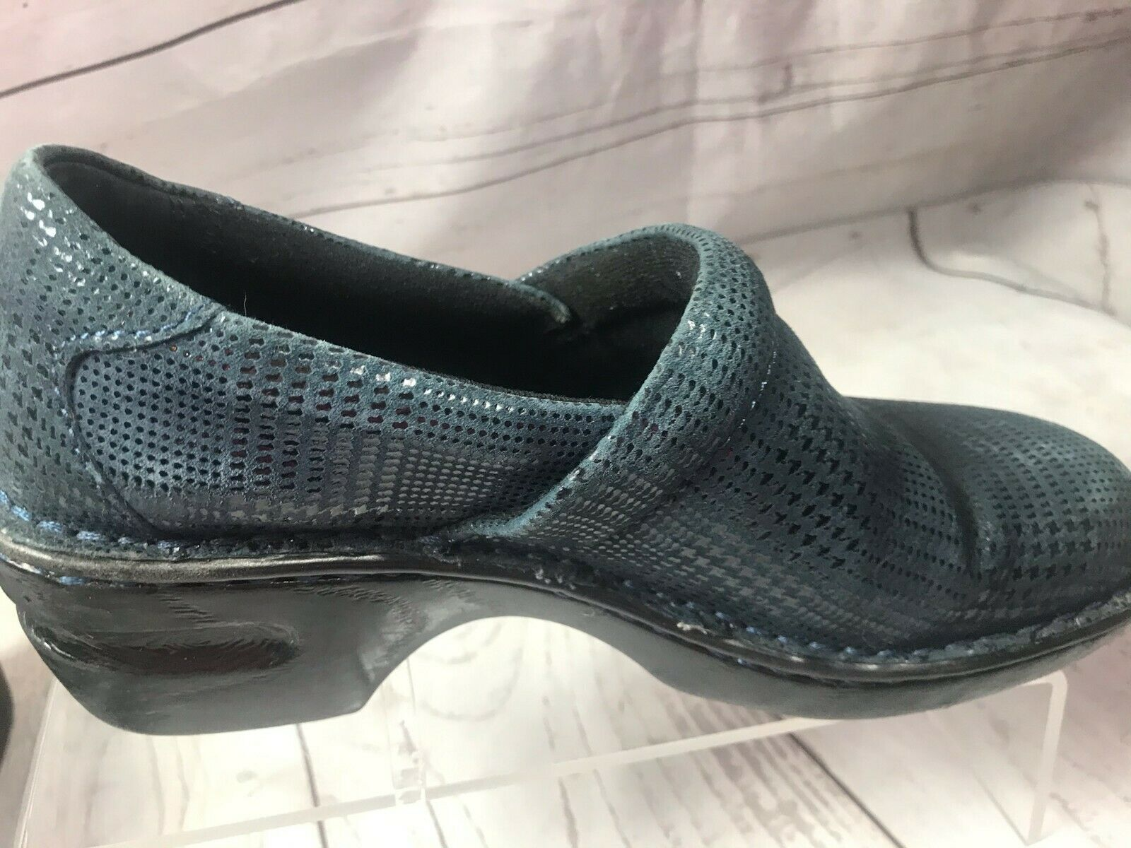 b.o.c. BORN Turquoise Wedged Shoe/Size 7/Textured leather /Comfortable & Classy!