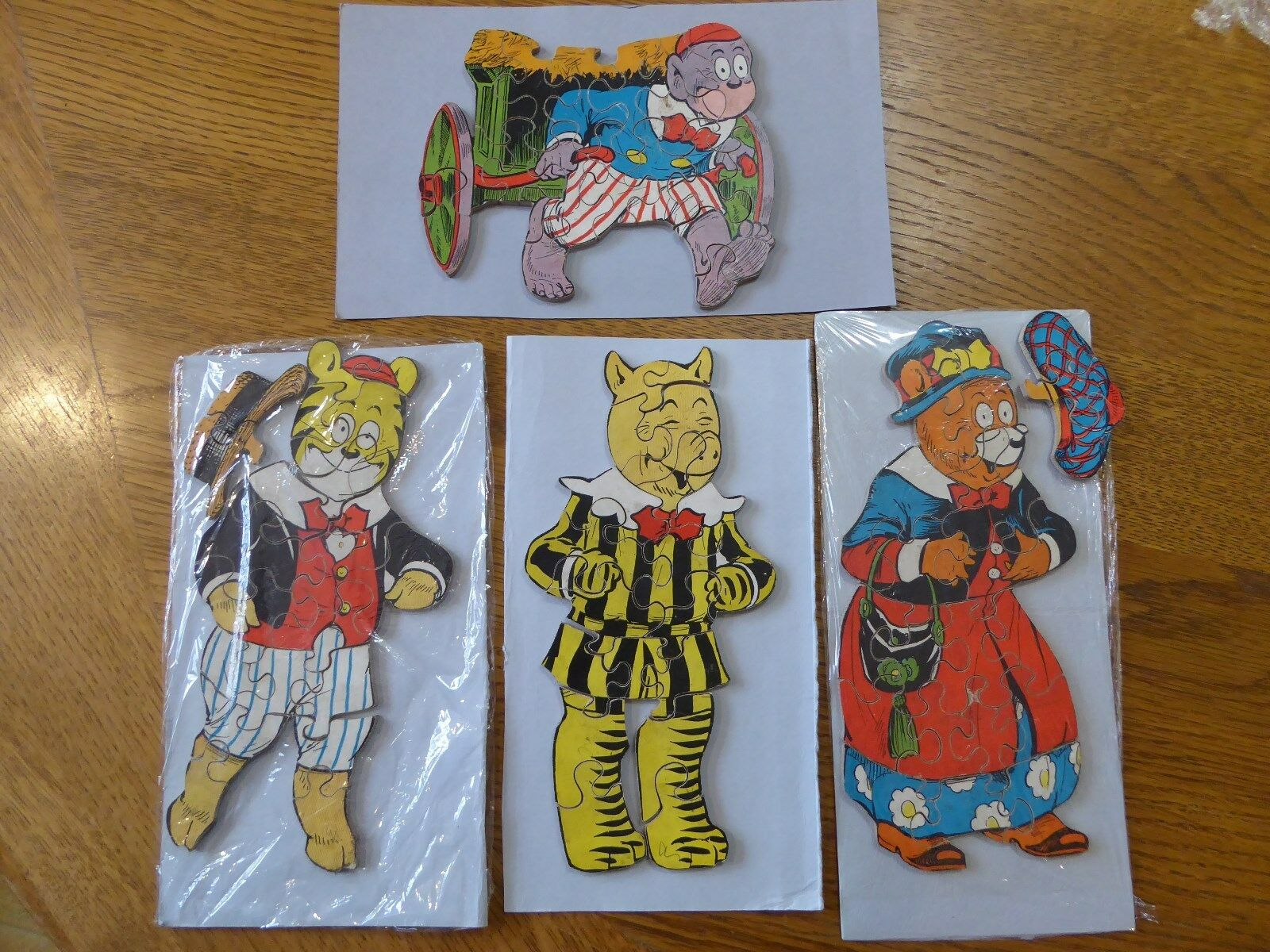"""Vintage """"The Bruin Boys"""" Interchangeable Wooden Jigsaw Puzzle Set   Very Rare"""