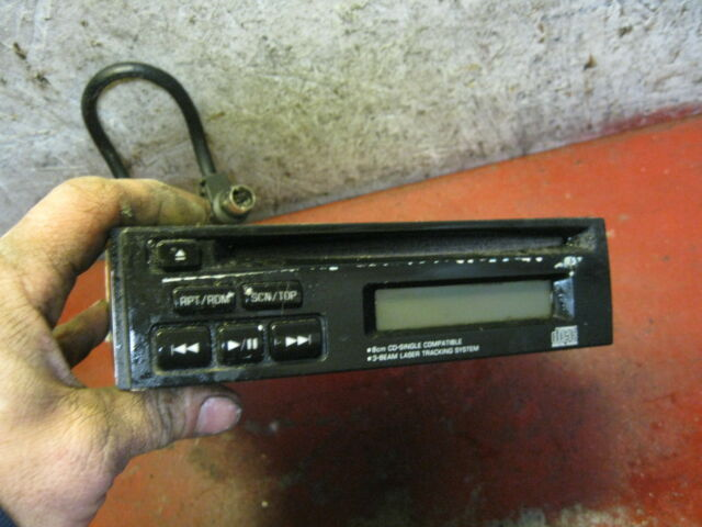 98 00 99 Subaru forester oem factory CD player pf-2100a