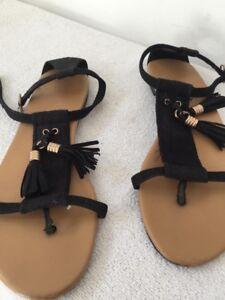 H\u0026M Ladies Black Flat Sandals Size 3 UK