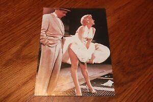 MARILYN-MONROE-Tom-Ewell-by-Sam-Shaw-Sexy-Legs-PANTY-Flash-Upskirt-Postcard