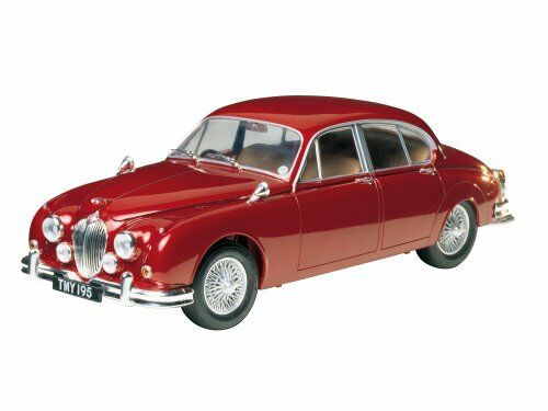 Tamiya 124 Historic Car Series Jaguar Mark II Saloon Model Car 89653