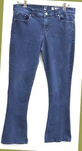 NY-amp-Co-womens-Jeans-SZ-10-Low-Rise-Boot-Cut-Slim-Boot-Medium-Wash-Stretch