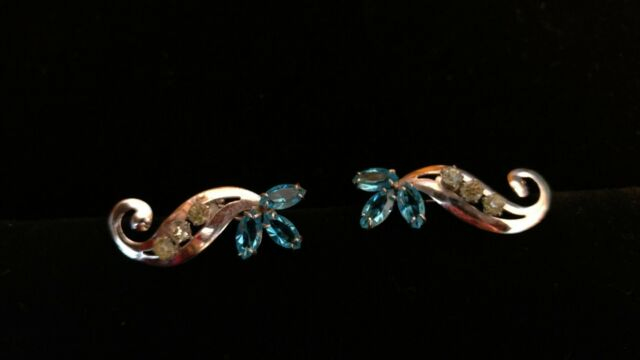 Vintage sterling silver screw back flower earrings with rhinestones& blue stones