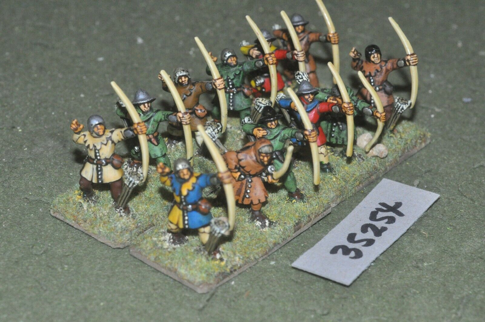 25mm medieval   burgundian - archers (plastic) 12 figures - inf (35254)