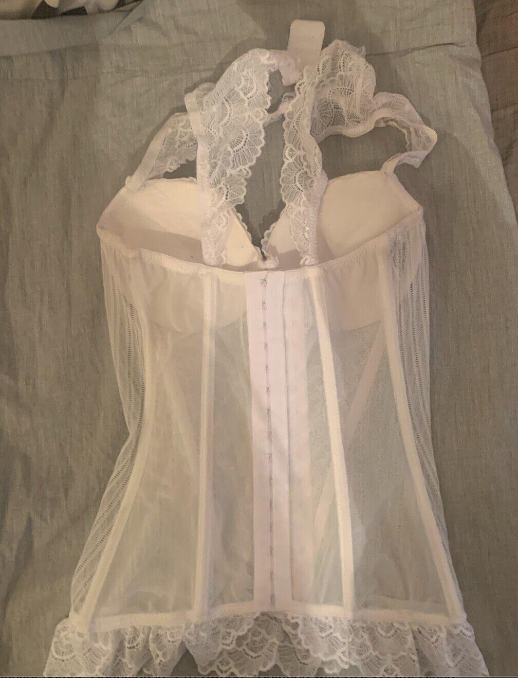 beautiful vintage white lace bustier corset - image 3