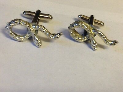 Snake Tg328 Cufflinks Made From English Modern Pewter Relieving Heat And Sunstroke Costume Jewellery Brooches & Pins