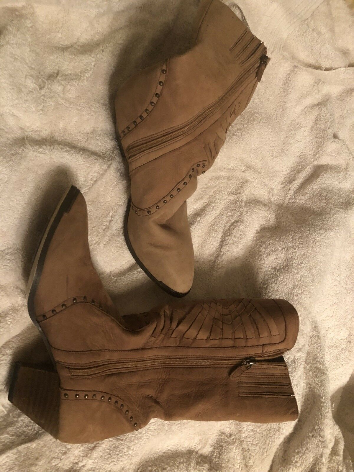 Beautiful Camel color Leather Boots Sz 9 1 2