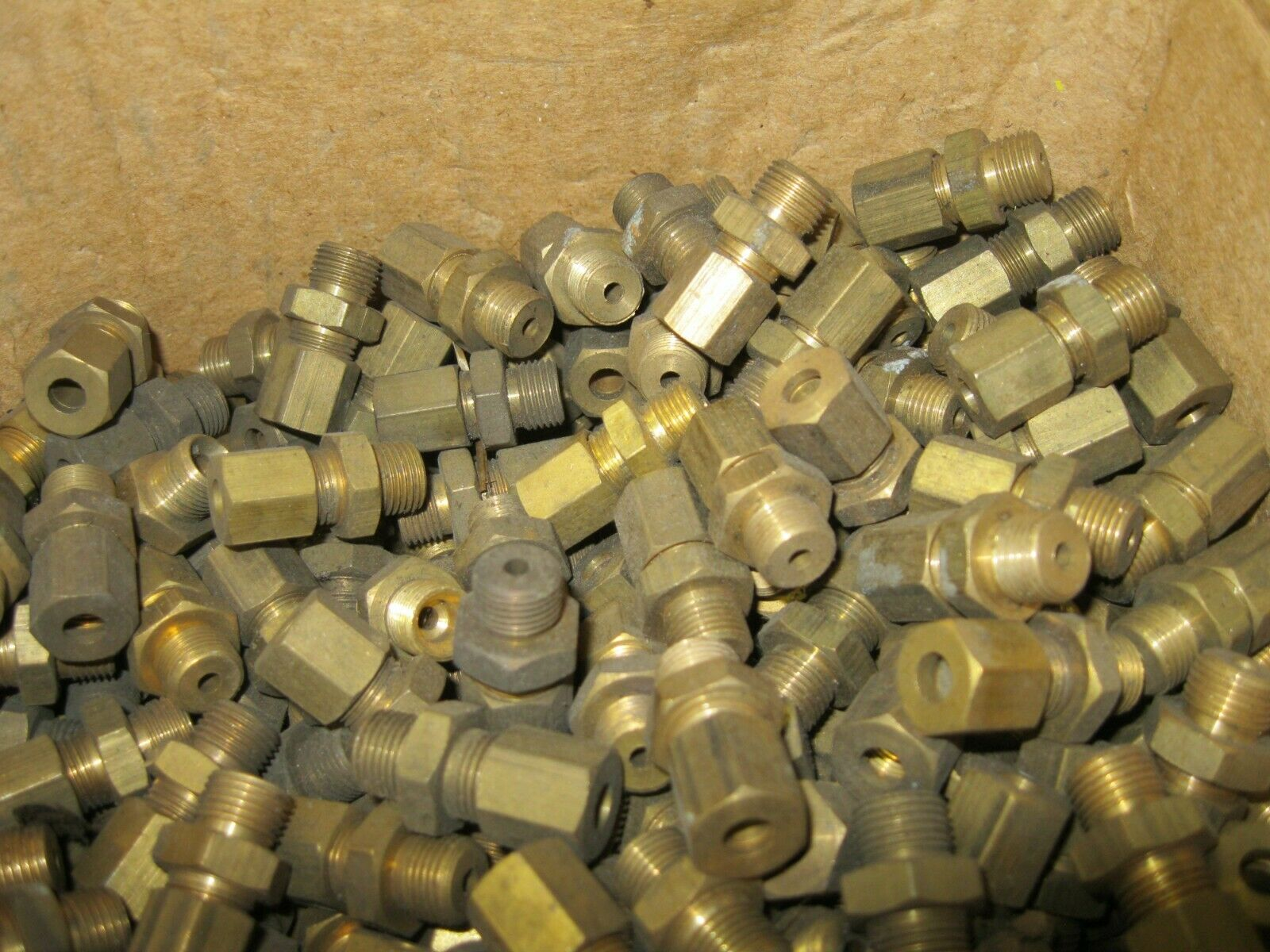 1 - Pack (5) Brass 1/8 BSP Union Nut & Mounting Body with 3/16 Olive