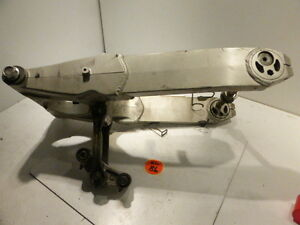 Kawasaki-ZZR-1100-Hinterradschwinge