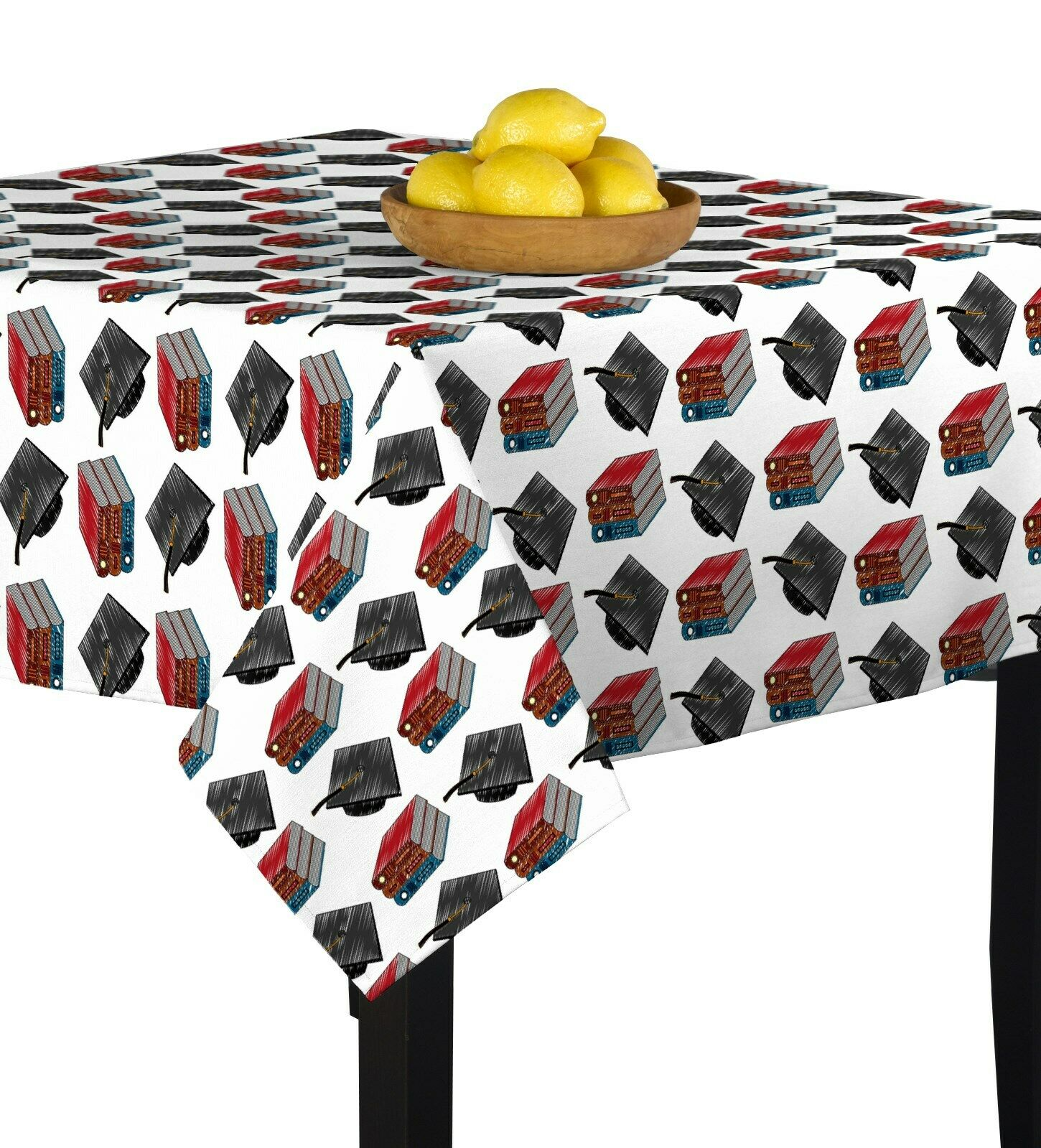 Grad Hats & Books Signature Square Tablecloth Assorted Größes