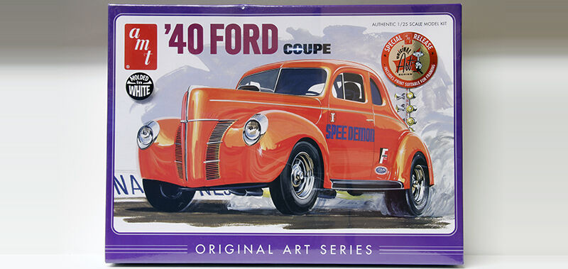 2013 AMT  25  1940 Ford coupe Molded white model kit new in the box
