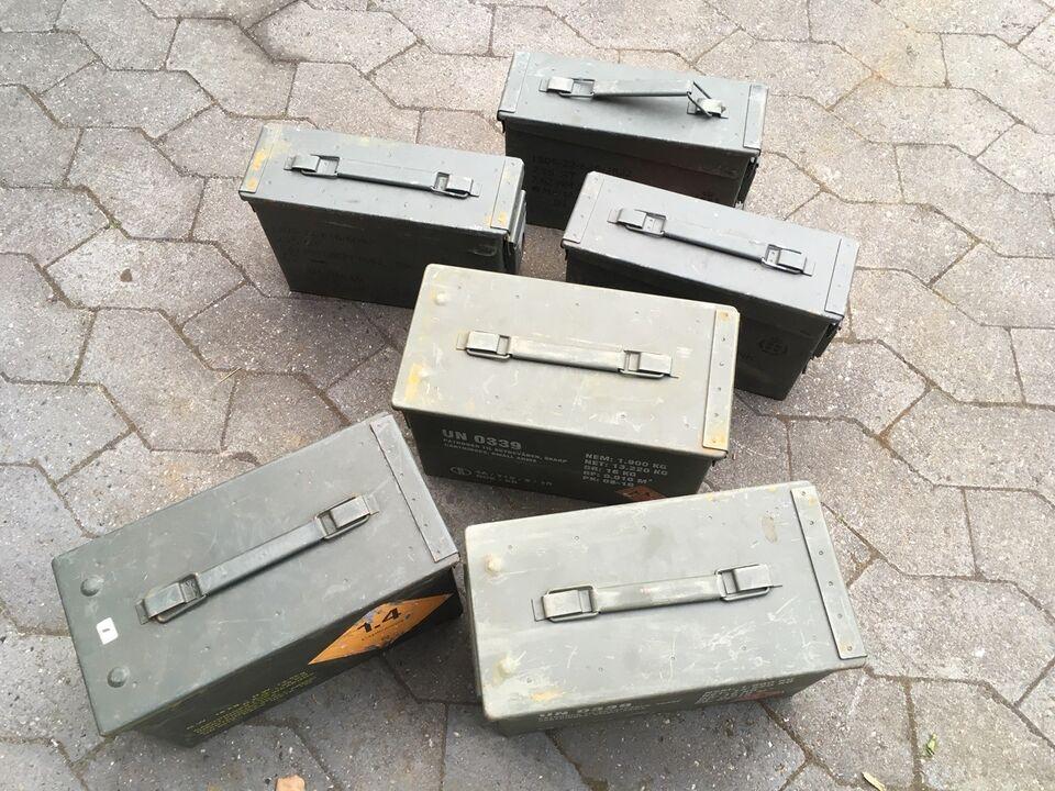 Gamle ammunitions kasser