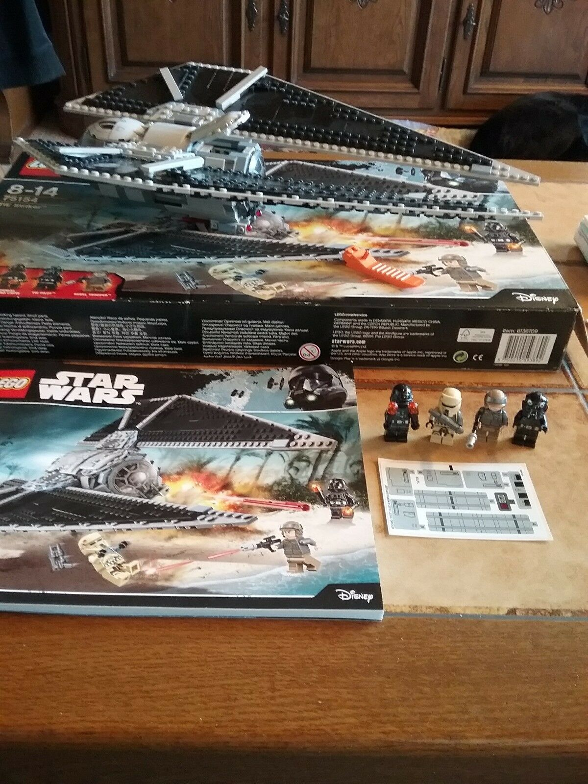 LEGO Star Wars TIE Striker 75154 + OBA + OVP + 100% komplett. Top Zustand