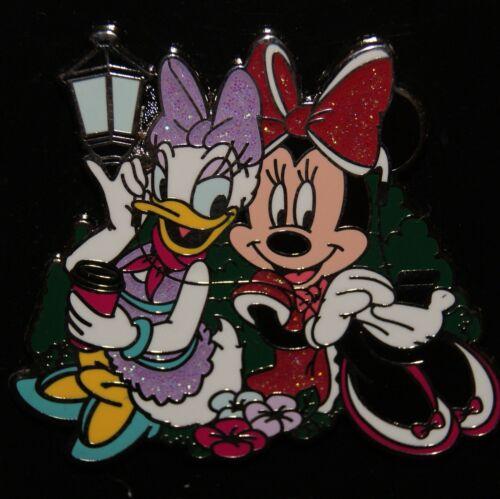 Disney 2015 Best Friends Minnie Mouse /& Daisy Duck Glitter Pin NEW ON CARD
