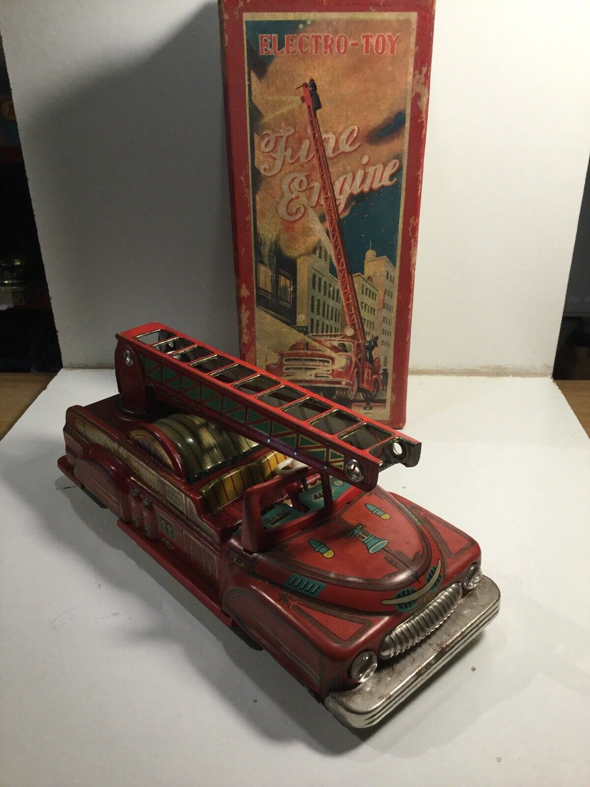 Vintage 1960's Japanese Tinplate Fire Engine Battery Operated Boxed Fully Workin