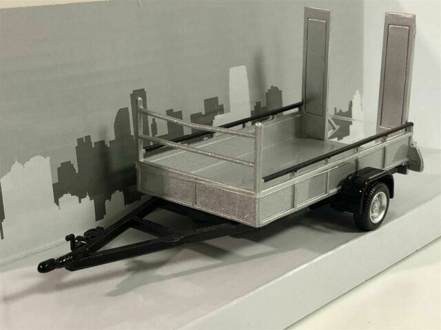 Car Trailer One Axle Silver Scale 1:43 by Cararama