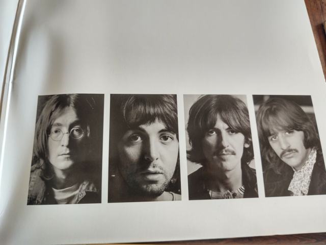 LP, The Beatles, The White Album 50th Anniversary Edition,…