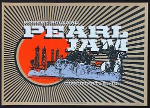 MINT-SIGNED-Pearl-Jam-2006-Cincinnati-Brad-Klausen-A-P-Poster-48-150
