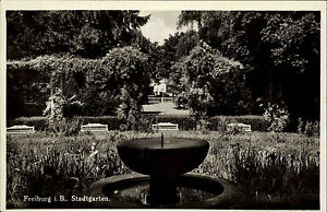 Freiburg-im-Breisgau-AK-1930-40-Partie-im-Stadtgarten-Springbrunnen-Anlagen