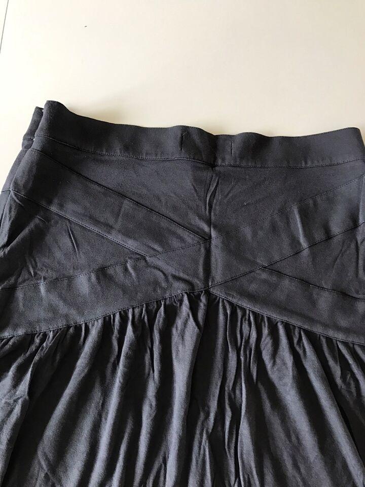 Blød nederdel, str. 36, Margit Brandt