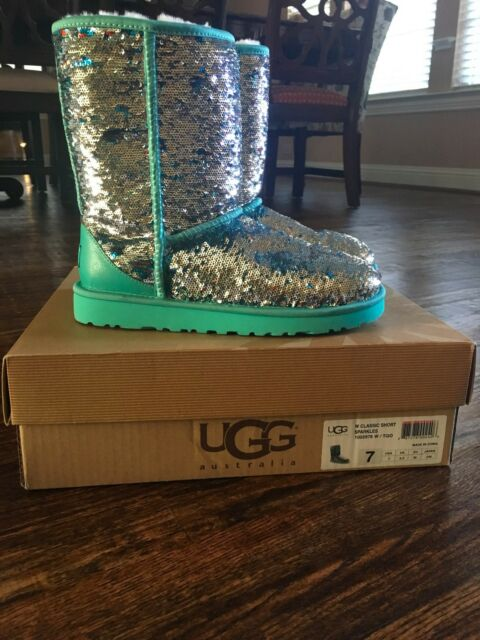 f409f02a130 UGG CLASSIC SHORT SPARKLE GENUINE SHEARLING BOOT SIZE 7   eBay