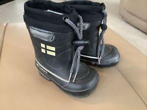 Tretorn Kids Rubber Wellie Style Winter Snow Boots, Child Size 4  Euro 20 Black