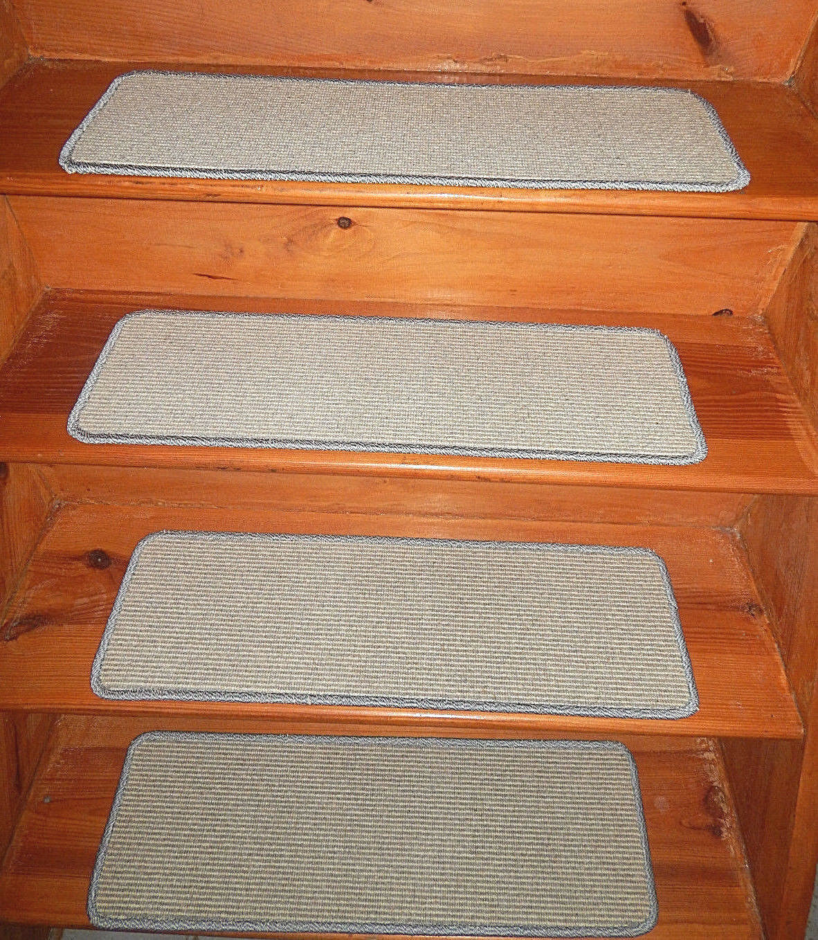 14  Step  9'' x 28'' + Landing 28'' x 31''  Tufted carpet Wool  Stair Treads .