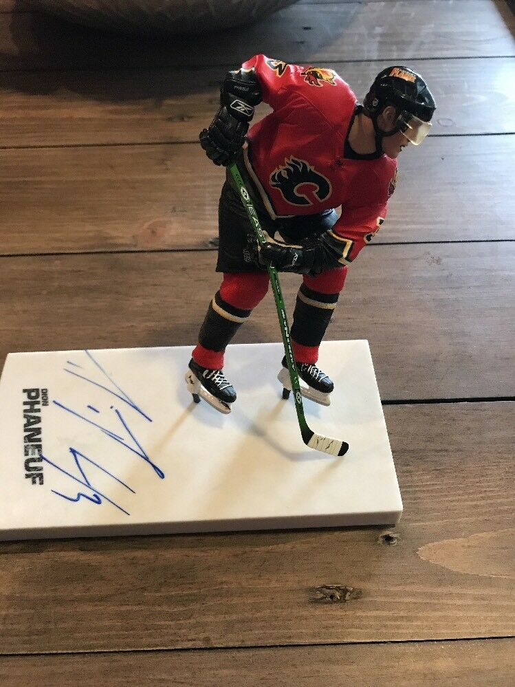 Signed Dion Phaneuf Mcfarlane  NHL  Series 15 Figure Autograph