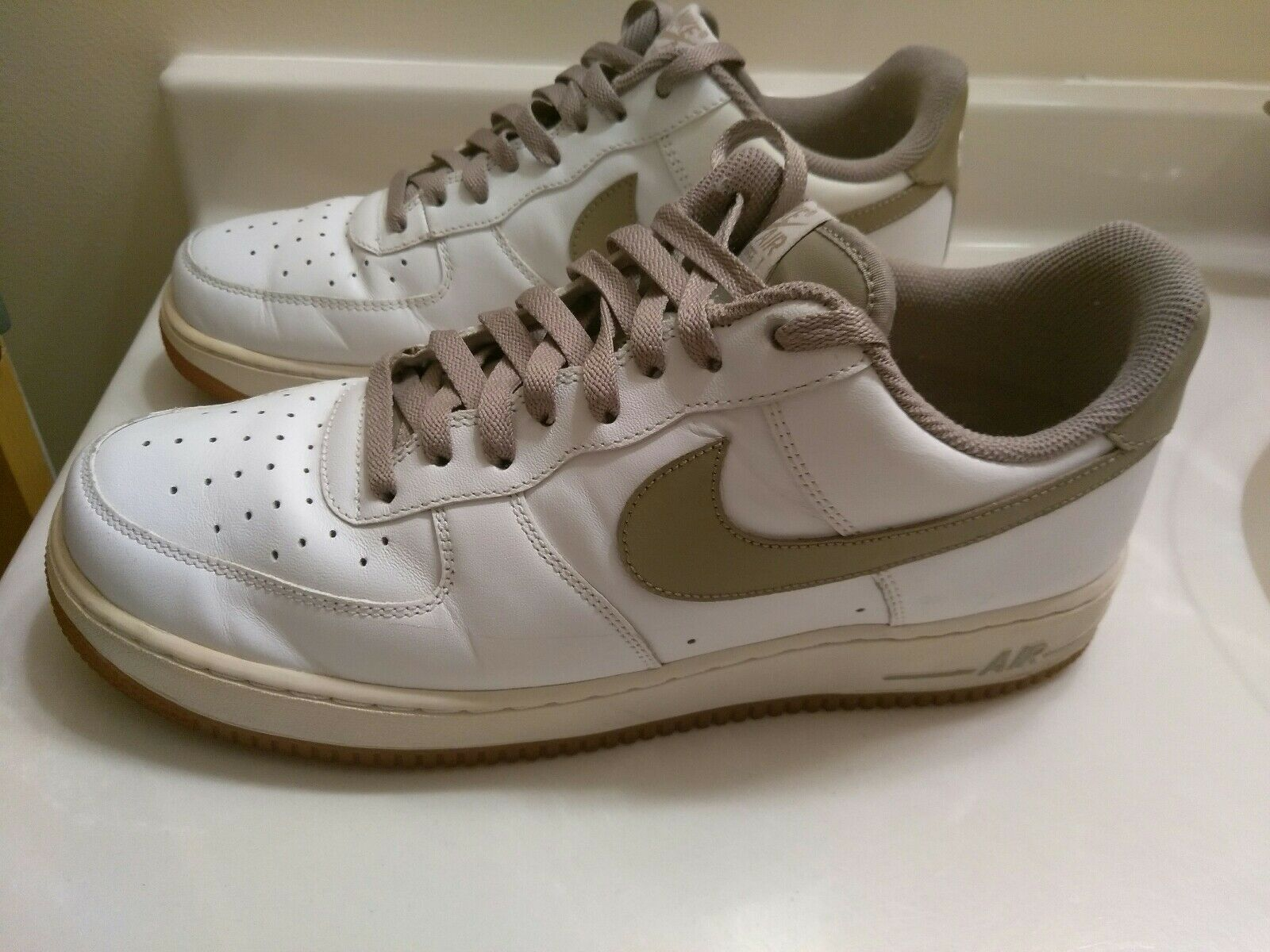 Nike Air Force Men's White / Olive Leather Shoes Size 11  315122-123