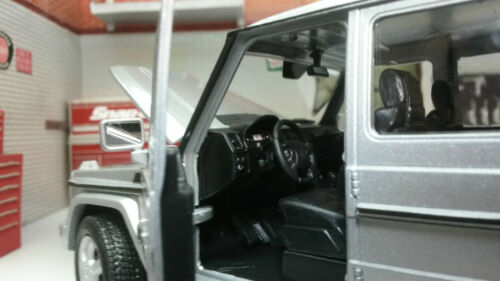 Échelle 1:24 mercedes blanc g-classe g wagen 24012 détaillée welly diecast voiture modèle