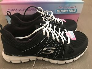 NEW! Women's Size 8 Sketchers Synergy Tennis Shoes W/ Air Cooled Memory Foam