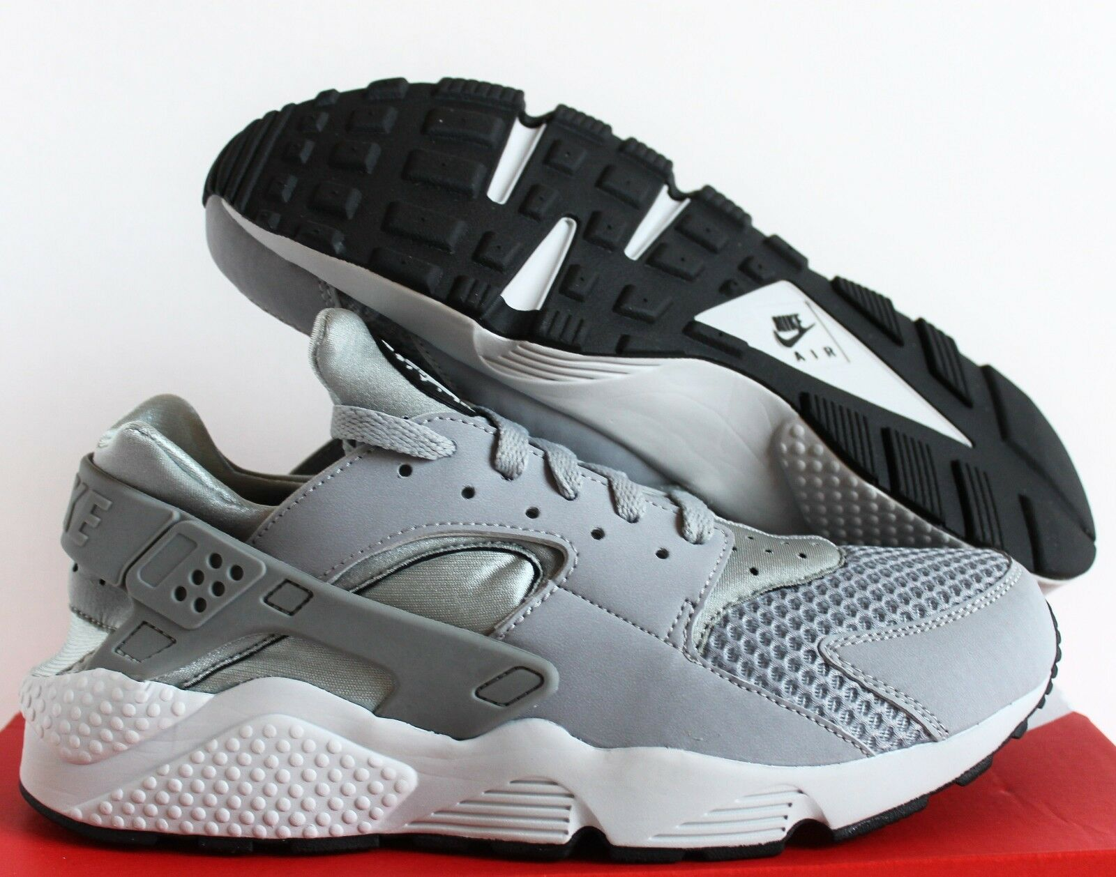NIKE AIR HUARACHE WOLF GREY-PURE PLATINUM-BLACK-WHITE SZ 7.5
