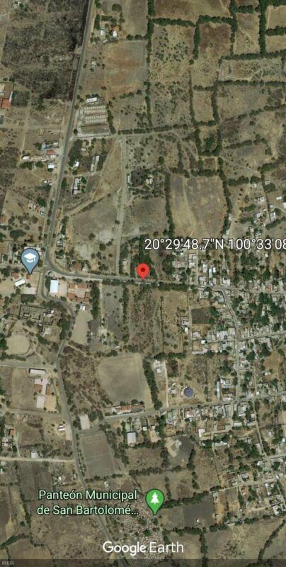 Terreno en venta en Apaseo el Alto a pie de carretera en zona urbana