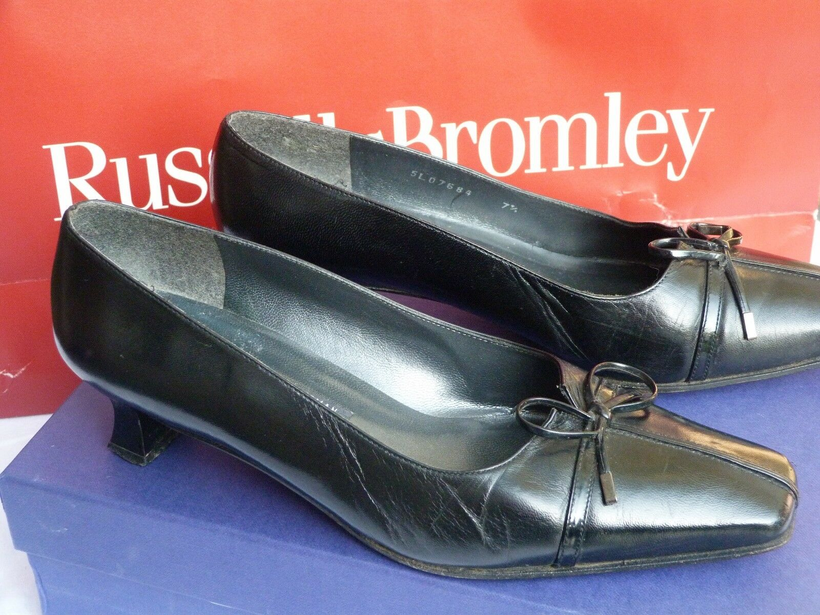 Stuart Weitzmen for RussellBromley women's shoes size 5.5 38.5 black office