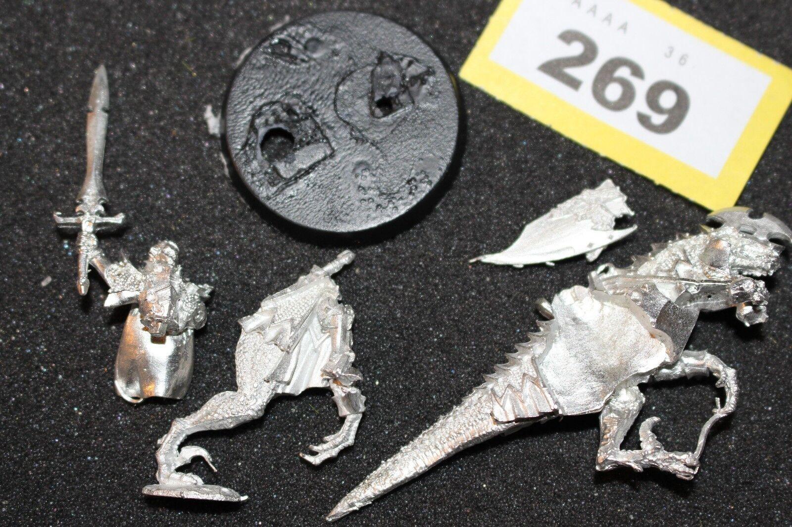 Games Workshop WARHAMMER Elfi Oscuri Elf Dreadlord Signore su un frossodo in metallo Nuovo di zecca GW