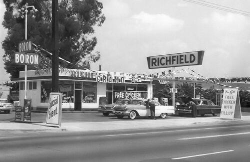RICHFIELD STATION BORON GAS PONTIAC 1950/'s GRAND OPENING free chicken w fill/'s