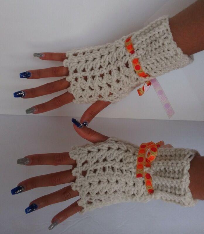 Honest Handmade Knit Beige Fingerless Gloves We Take Customers As Our Gods