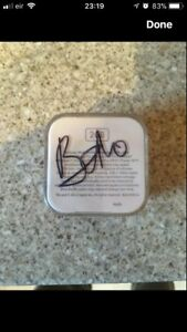 Apple iPod Shuffle 4th Generation Signed By U2 Bono. Special Edition. (Red)