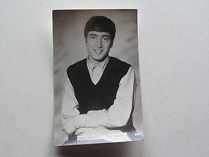 THE-BEATLES-orig-1963-UK-StarPics-Photograph-Postkarte-14cm-x-8-9cm-John