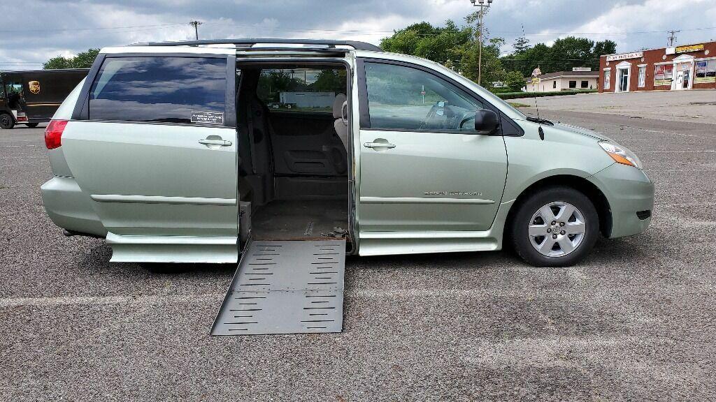 2006 Toyota Sienna LE 7 Passenger 4dr Mini Van